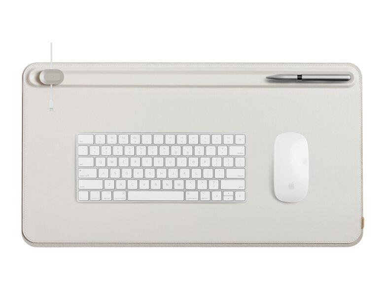 Artikel klicken und genauer betrachten! - Die Orbitkey Desk Mat schützt Ihren Schreibtisch vor Kratzern und Flecken und sorgt mit durchdachten Funktionen für Ordnung am Arbeitsplatz.   im Online Shop kaufen