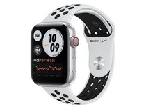 Apple Watch Nike Series 6, GPS & Cellular, 44 mm, Aluminium Sportarmband